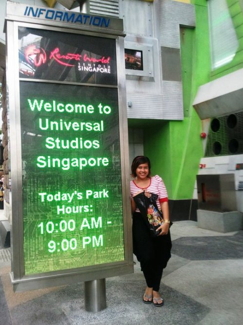 Universal Studios Singapore Welcome Sign