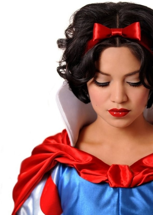 Snow White Real Girls as Disney Princesses by ryanastamendi.blogspot.com
